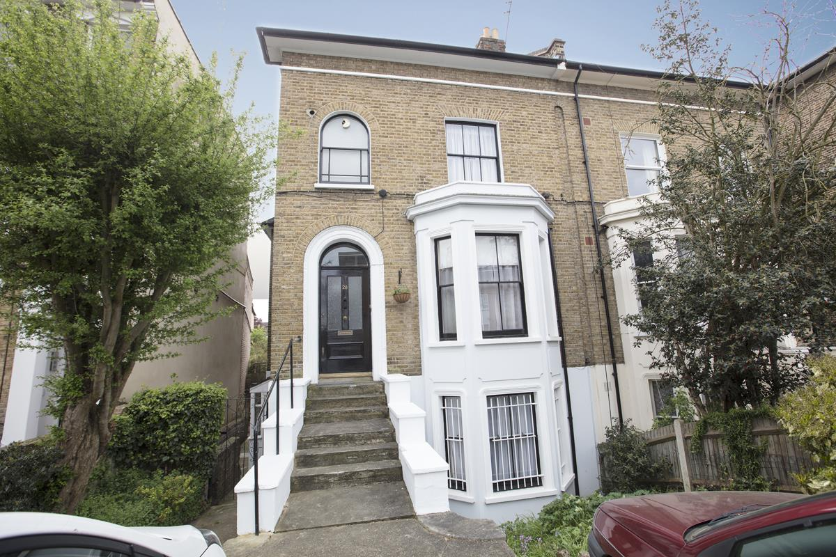 House - Semi-Detached Sold in Linden Grove, Nunhead, SE15 311 view1