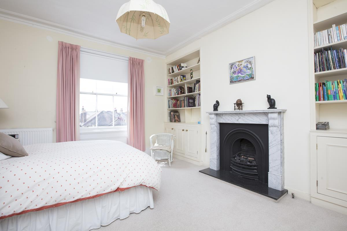 House - Semi-Detached Sold in Linden Grove, Nunhead, SE15 311 view17