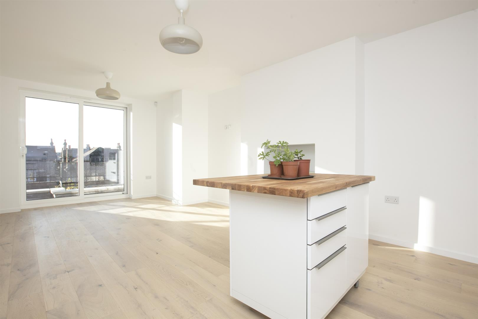 Flat - Conversion Sale Agreed in Linden Grove, Nunhead, SE15 550 view1
