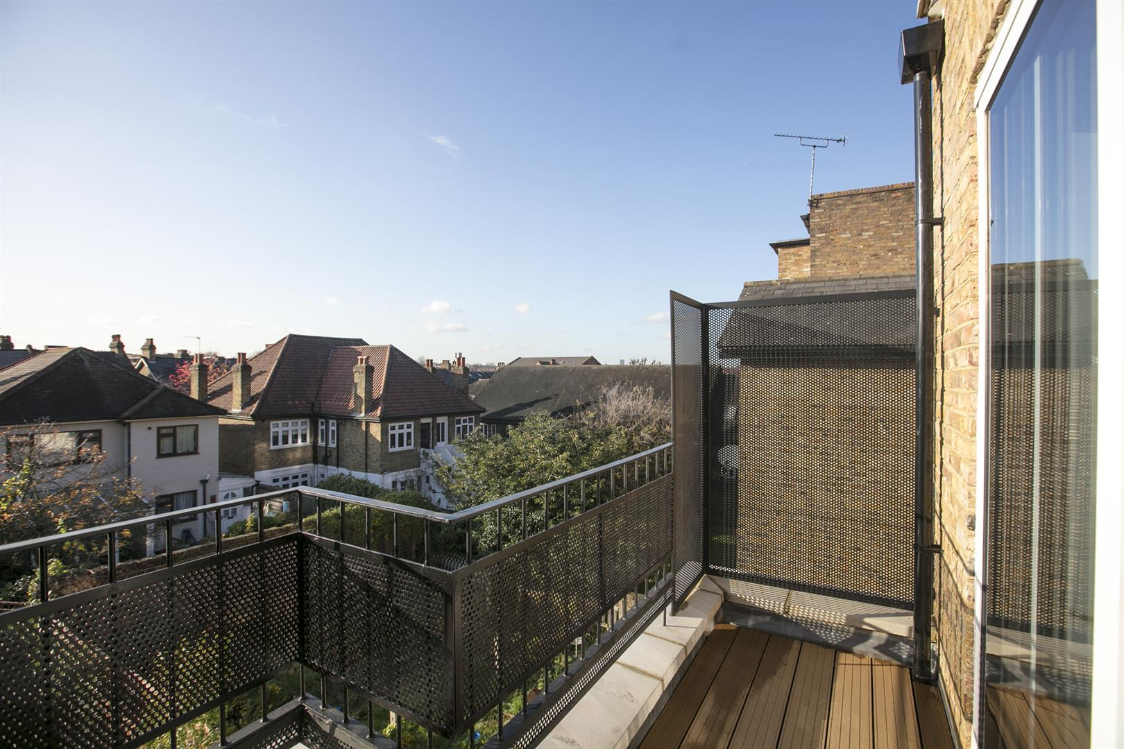 Flat - Conversion Sale Agreed in Linden Grove, Nunhead, SE15 550 view2