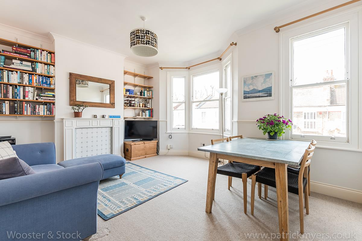 Flat/Apartment Sale Agreed in Linnell Road, Camberwell, SE5 303 view1