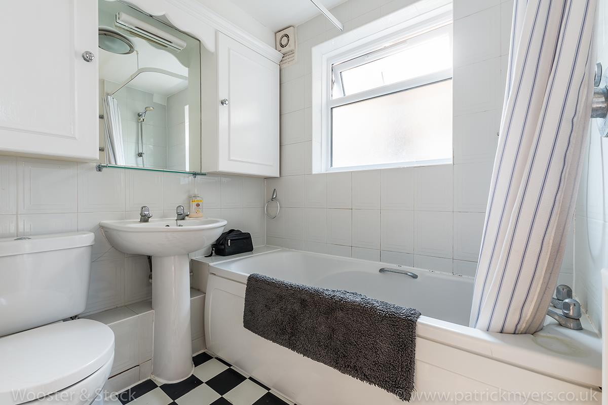 Flat/Apartment Sale Agreed in Linnell Road, Camberwell, SE5 303 view6
