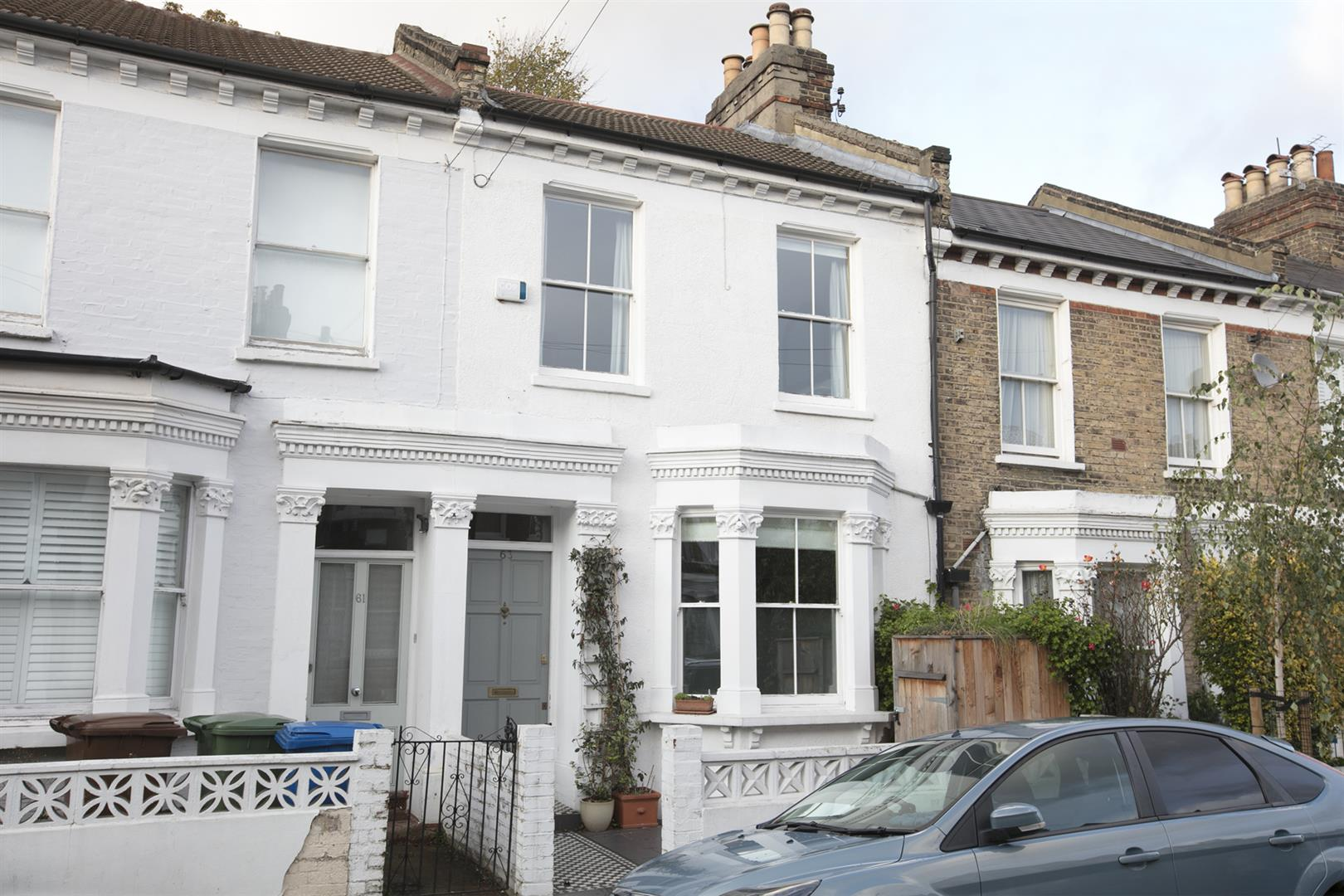 House - Terraced Sold in Linnell Road, Camberwell, SE5 542 view1