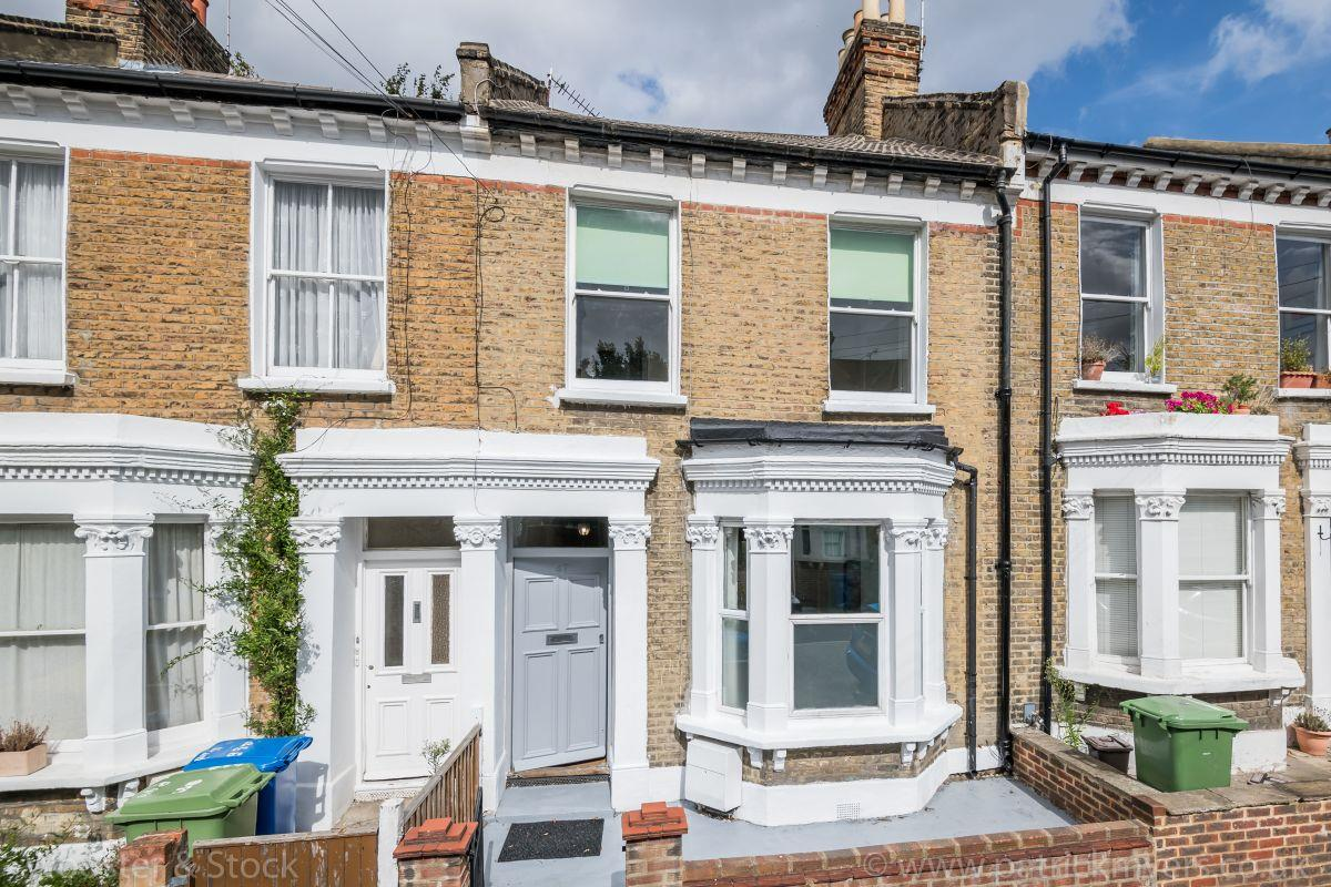 House - Terraced Sold in Linnell Road, Camberwell, SE5 691 view1