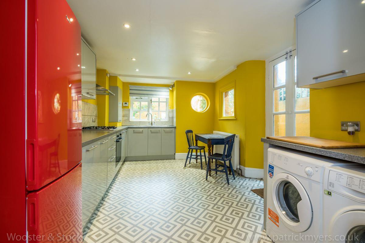 House - Terraced Sold in Linnell Road, Camberwell, SE5 691 view5