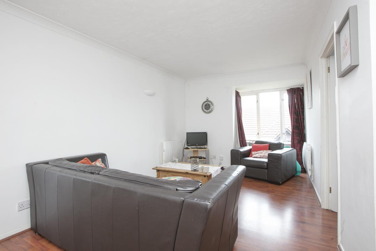 Flat/Apartment For Sale in Linwood Close, Camberwell, SE5 475 view2