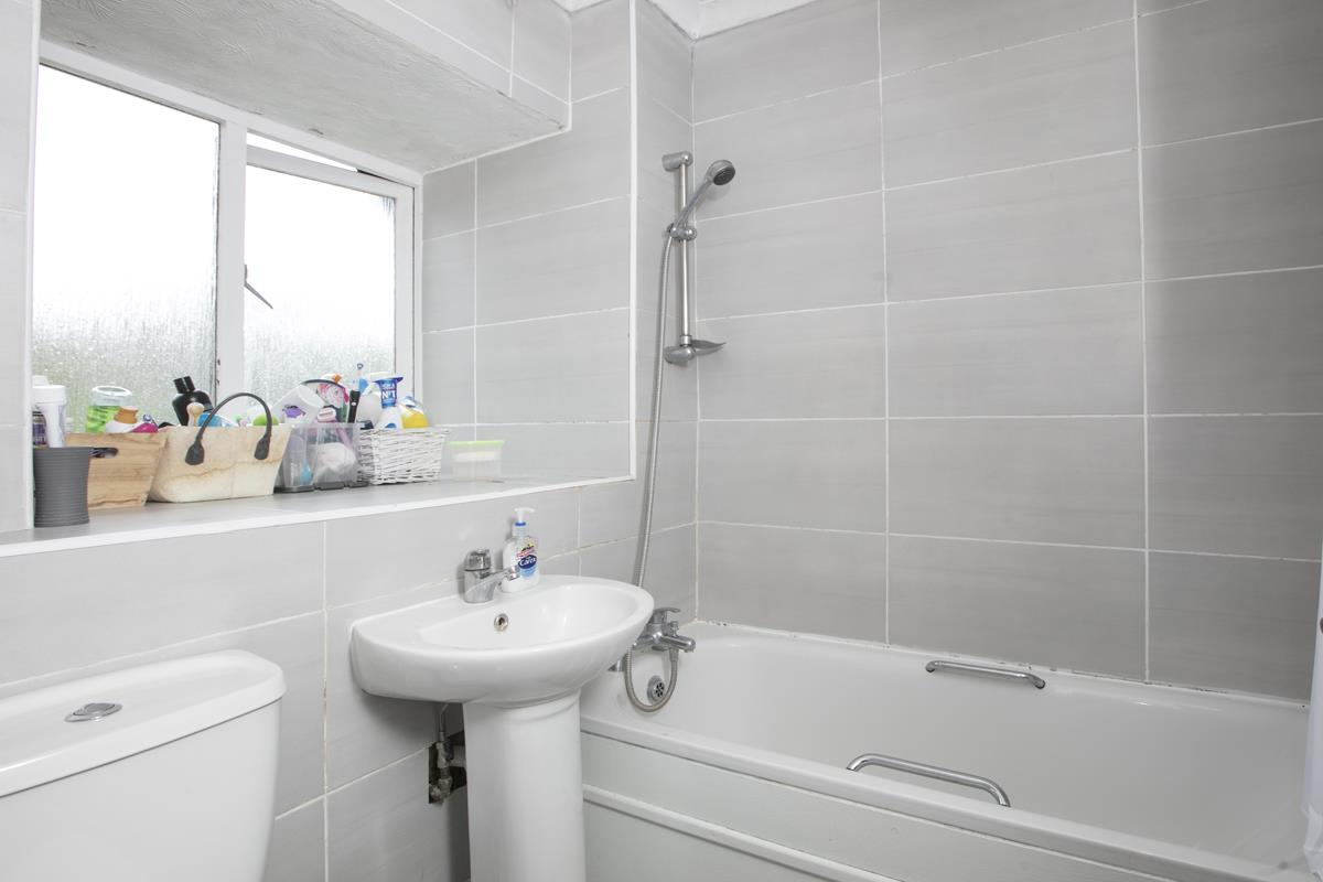 Flat/Apartment For Sale in Linwood Close, Camberwell, SE5 475 view10
