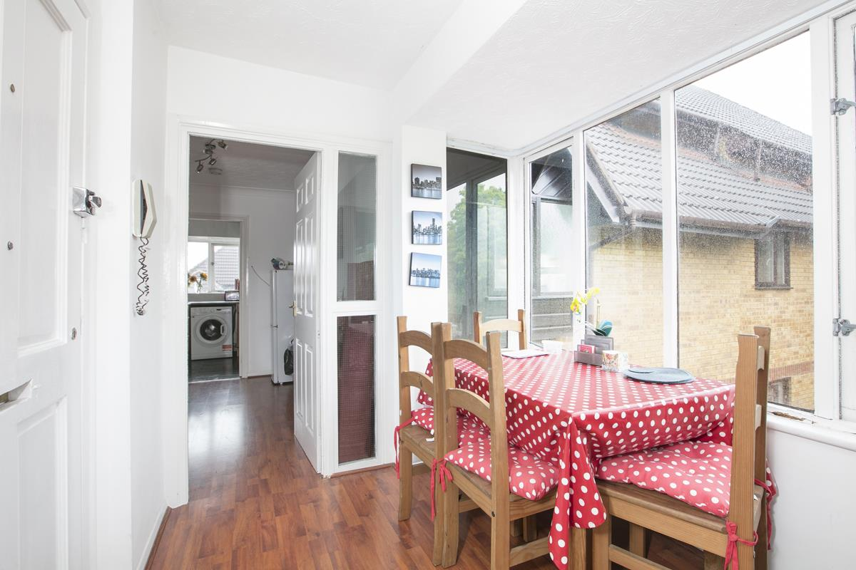 Flat/Apartment For Sale in Linwood Close, Camberwell, SE5 475 view6