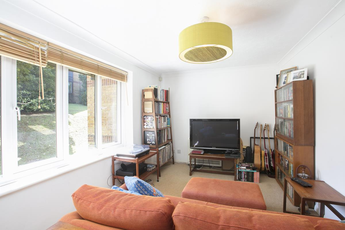 Flat/Apartment For Sale in Linwood Close, Camberwell, SE5 488 view3