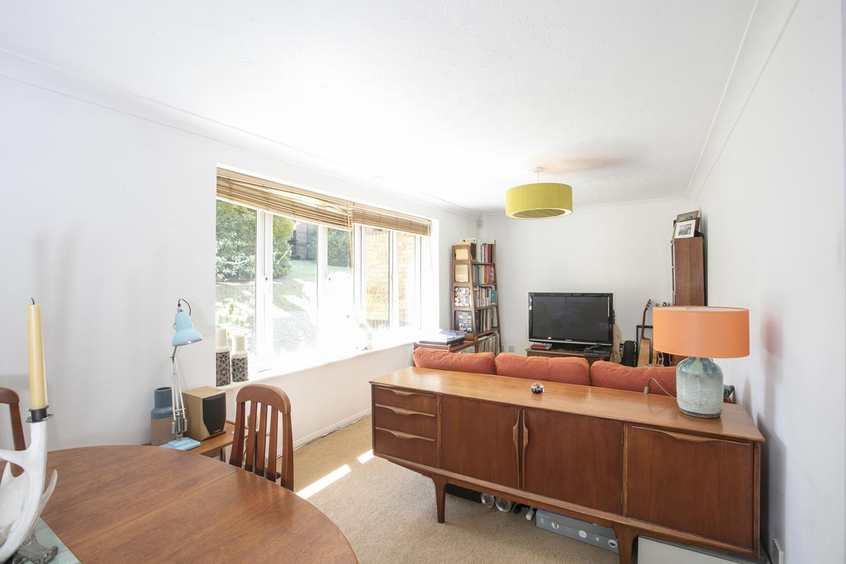 Flat/Apartment For Sale in Linwood Close, Camberwell, SE5 488 view1