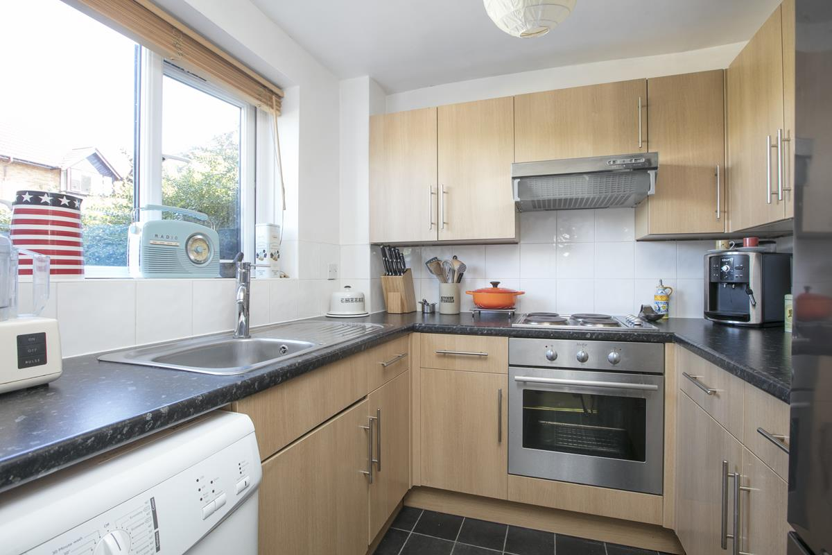 Flat/Apartment For Sale in Linwood Close, Camberwell, SE5 488 view4