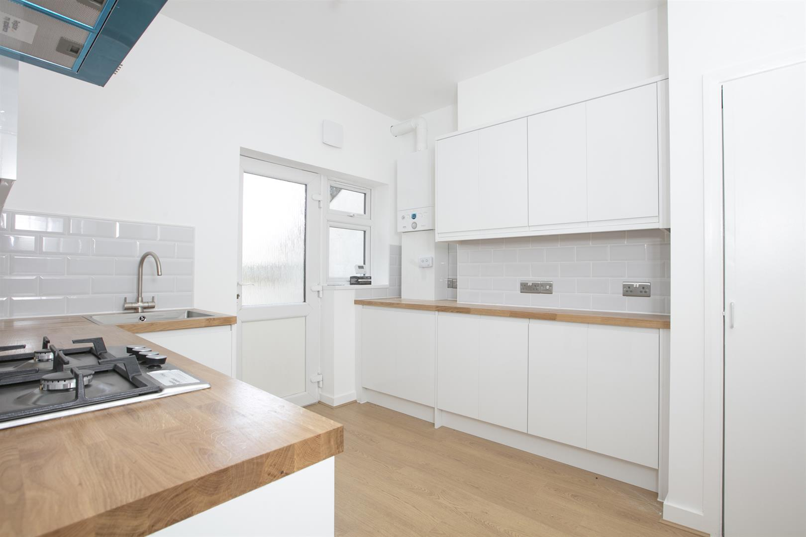 Flat/Apartment Sale Agreed in Lyndhurst Grove, Peckham, SE15 653 view6