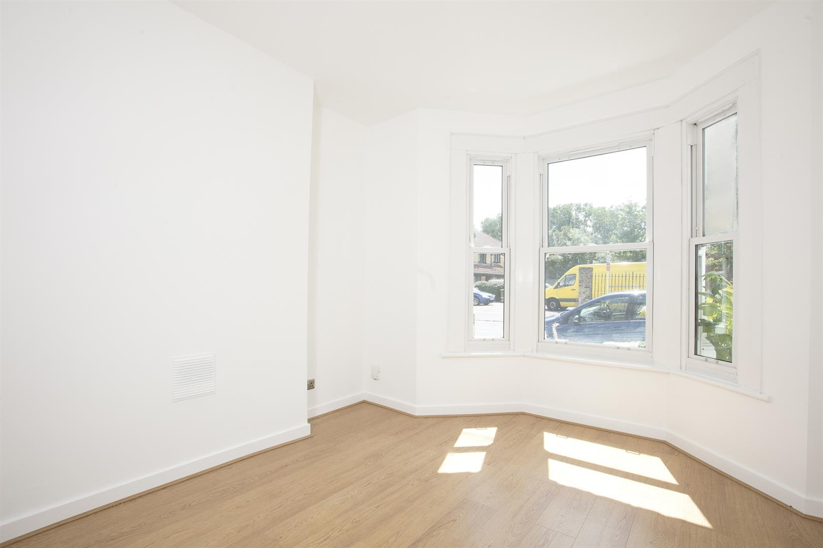 Flat/Apartment Sale Agreed in Lyndhurst Grove, Peckham, SE15 653 view5