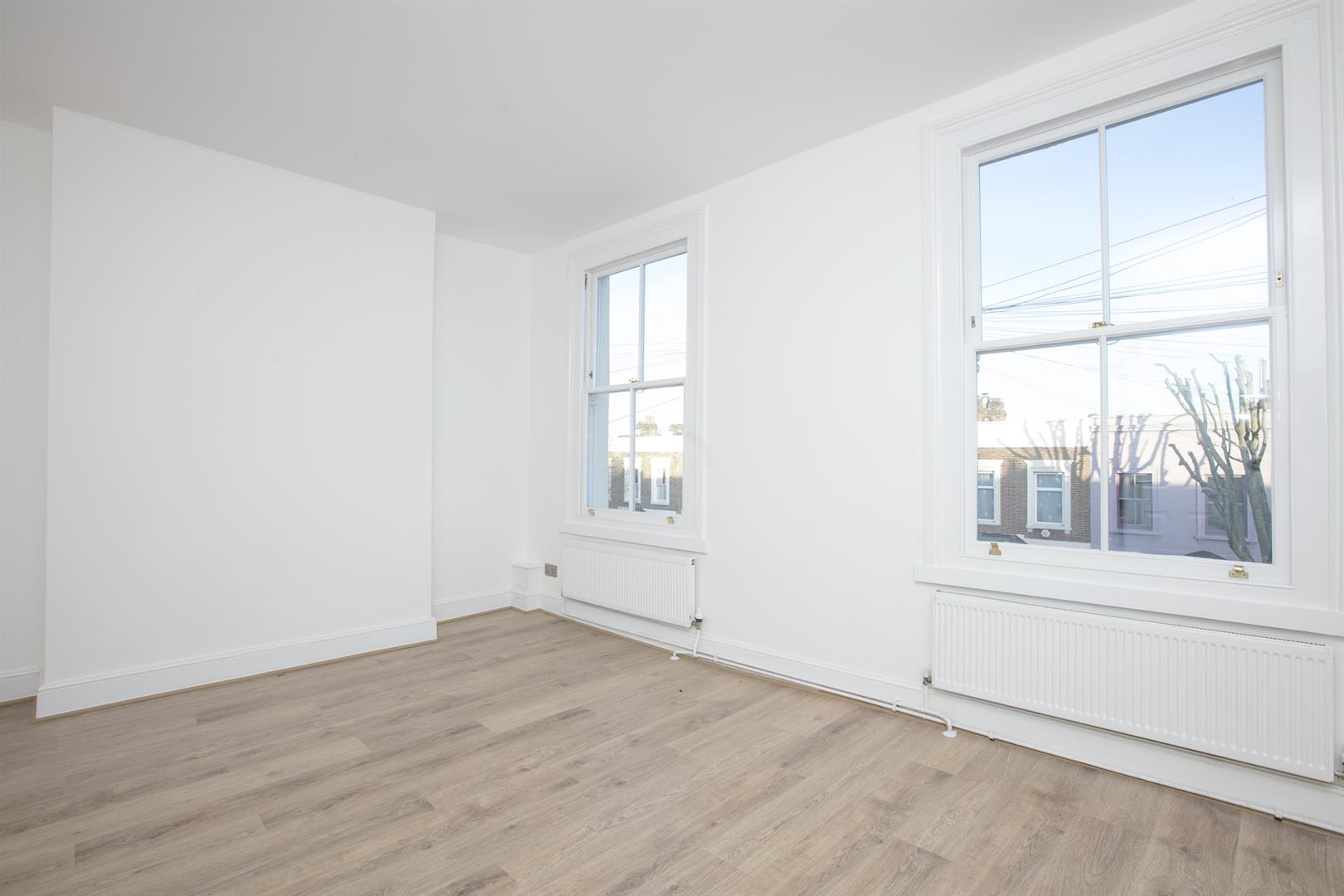 Flat/Apartment Sale Agreed in Lyndhurst Way, Peckham, SE15 553 view2