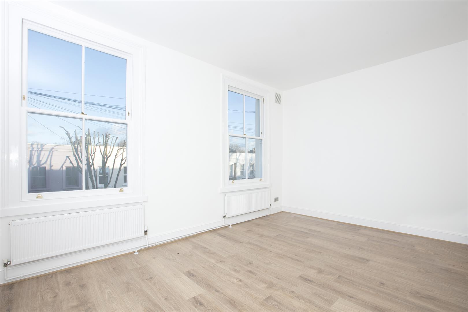Flat/Apartment Sale Agreed in Lyndhurst Way, Peckham, SE15 553 view4