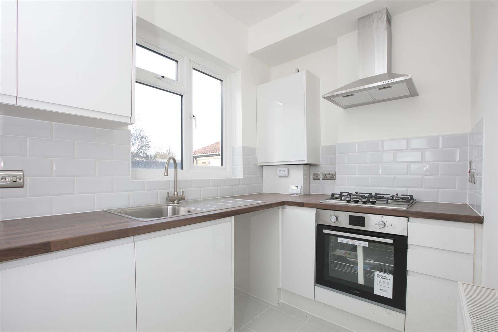 Flat/Apartment Sale Agreed in Lyndhurst Way, Peckham, SE15 553 view3