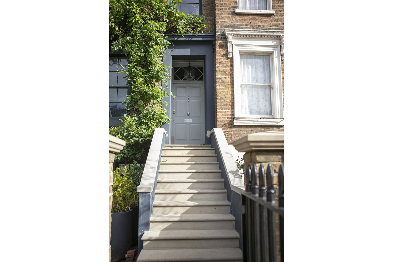 House - Terraced For Sale in Lyndhurst Way, Peckham, SE15 741 view42