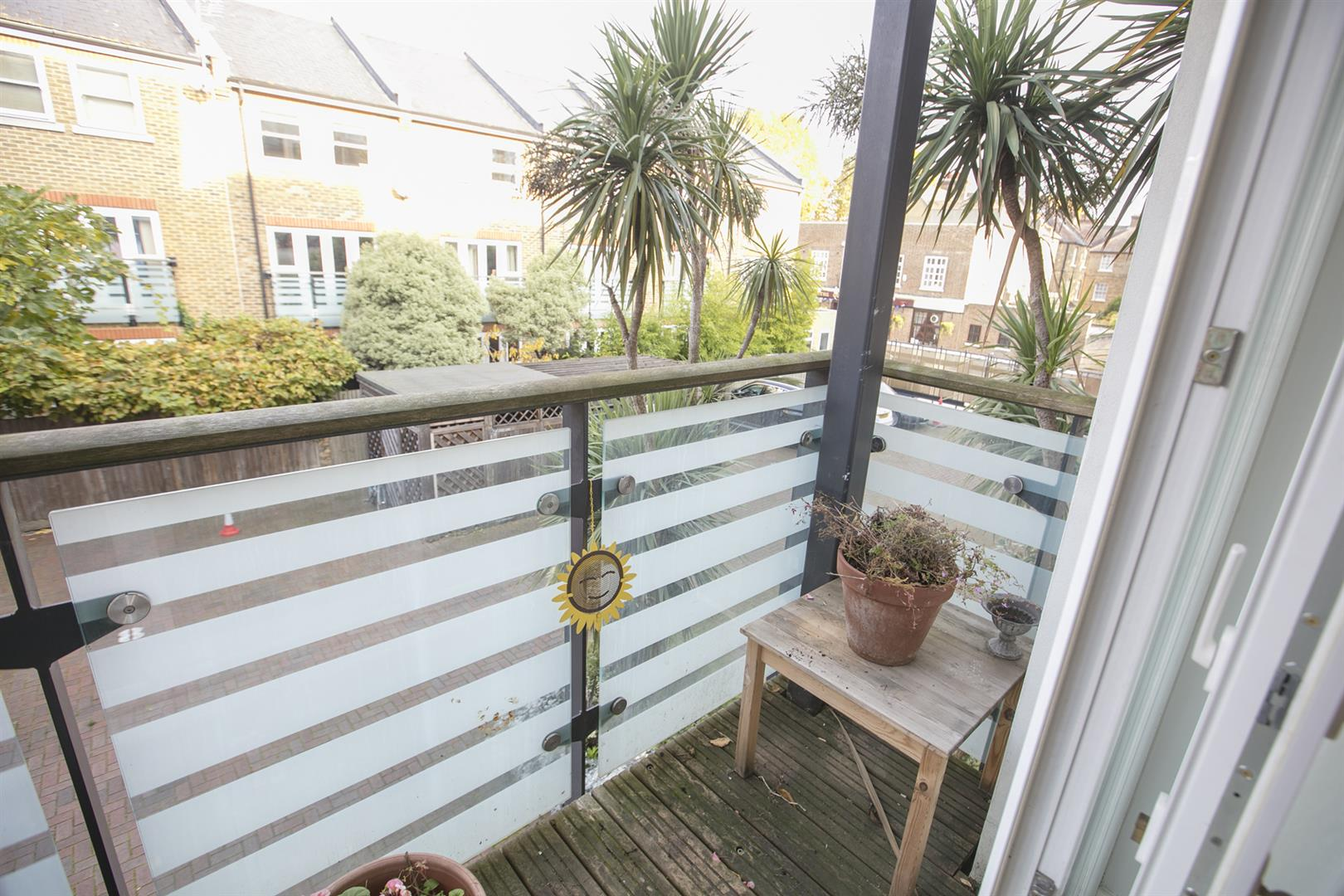 Flat/Apartment Sale Agreed in Lytham Street, Walworth, SE17 536 view12