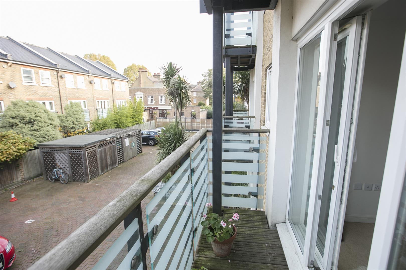 Flat/Apartment Sale Agreed in Lytham Street, Walworth, SE17 536 view14