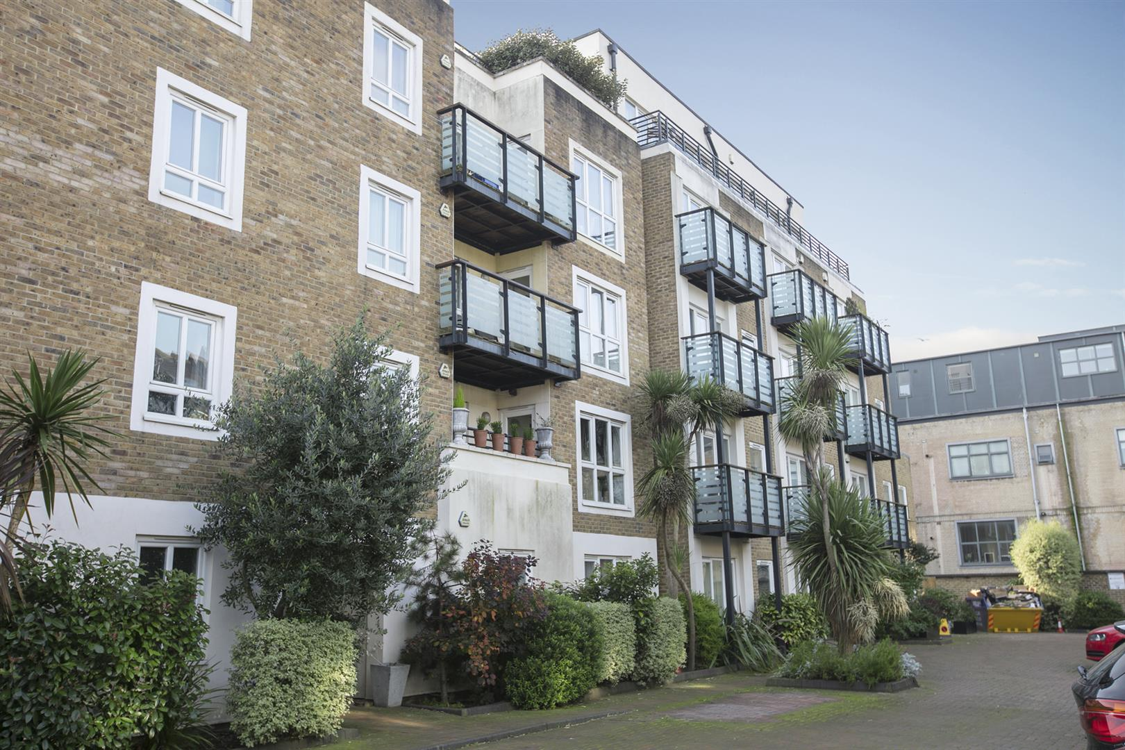 Flat/Apartment Sale Agreed in Lytham Street, Walworth, SE17 536 view1