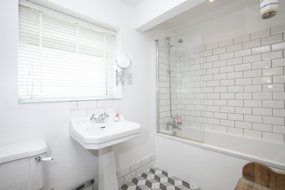 House - Semi-Detached Sold in Maldon Close, Camberwell, SE5 437 view21