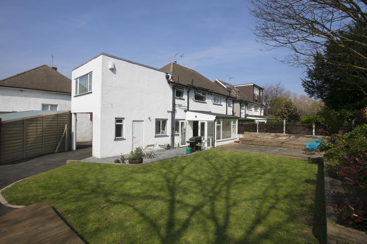 House - Semi-Detached Sold in Maldon Close, Camberwell, SE5 437 view25