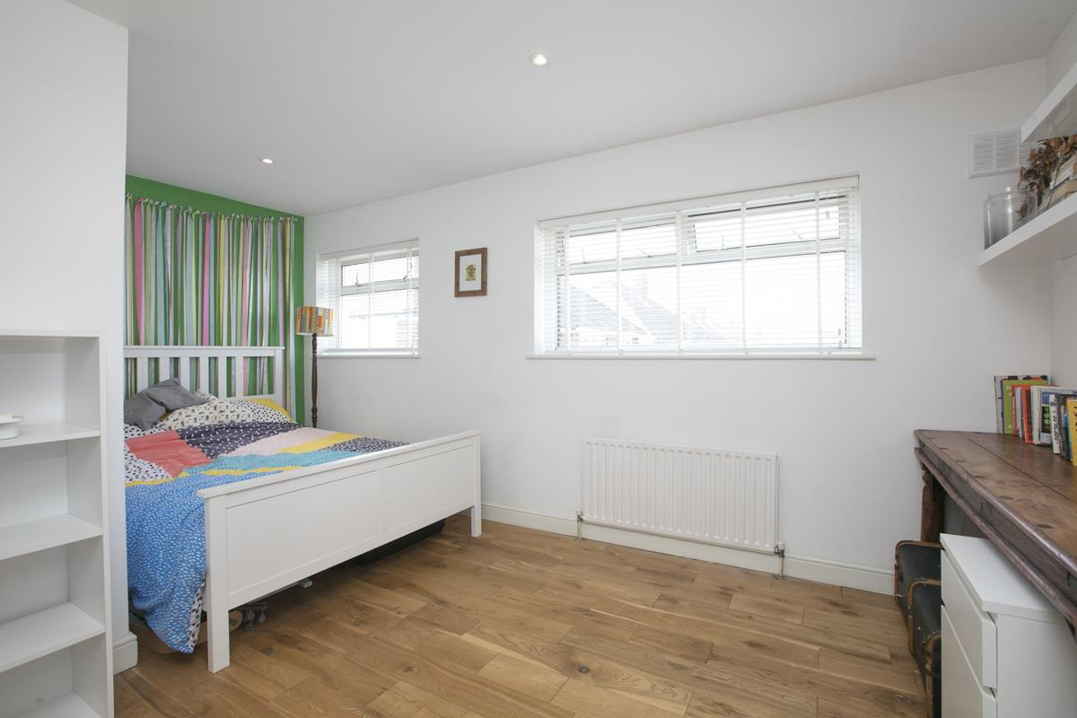 House - Semi-Detached Sold in Maldon Close, Camberwell, SE5 437 view19