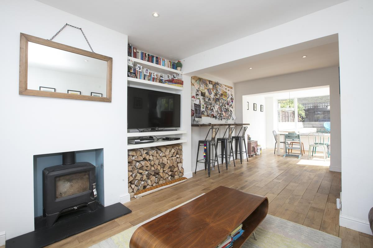 House - Semi-Detached Sold in Maldon Close, Camberwell, SE5 437 view7