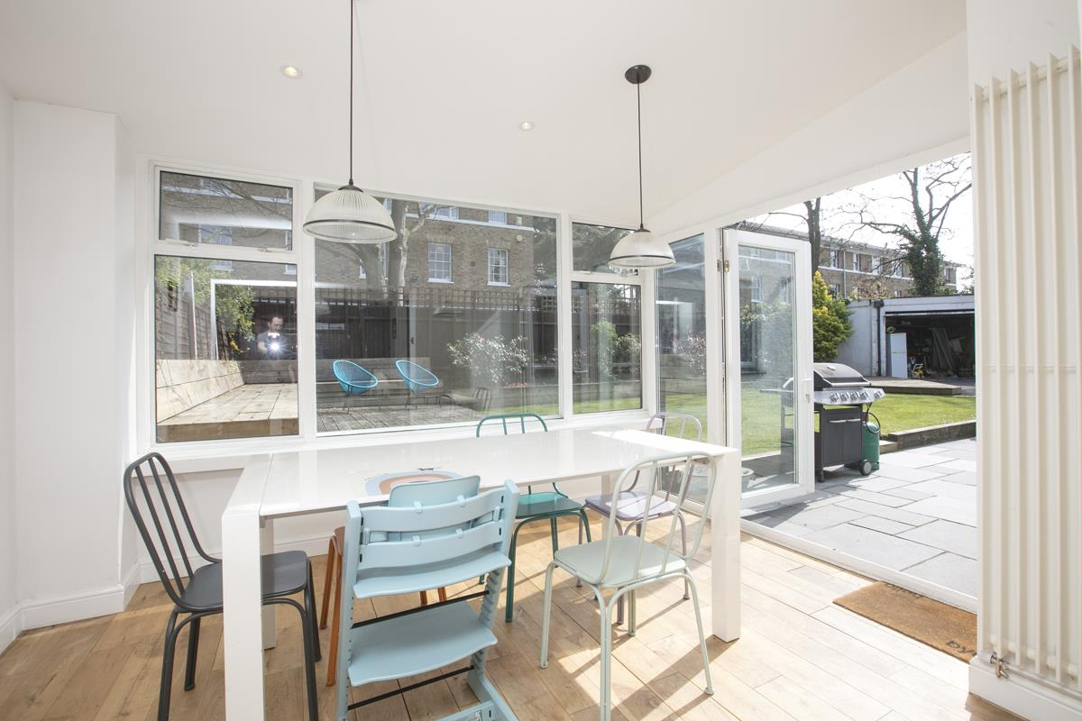 House - Semi-Detached Sold in Maldon Close, Camberwell, SE5 437 view10