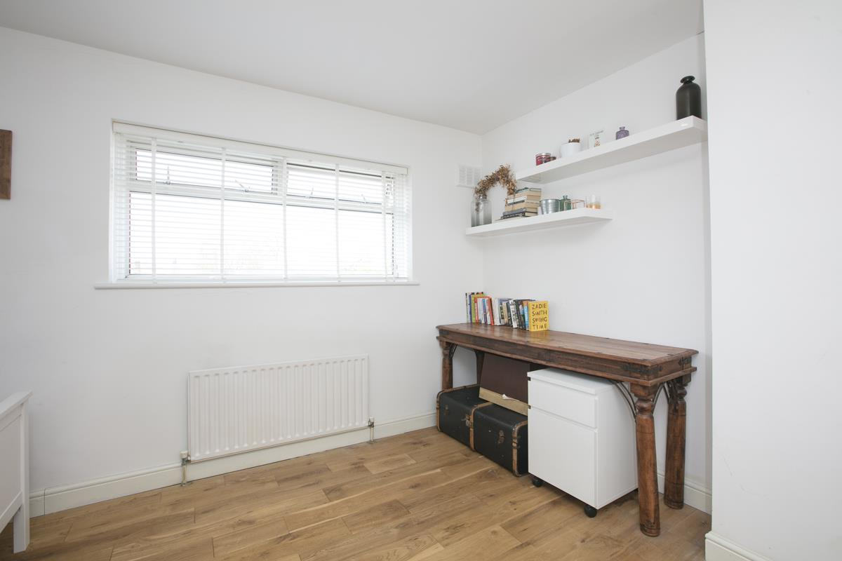 House - Semi-Detached Sold in Maldon Close, Camberwell, SE5 437 view20
