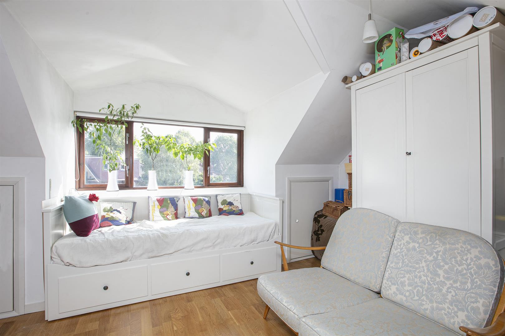 House - Semi-Detached For Sale in Maldon Close, Camberwell, SE5 694 view14