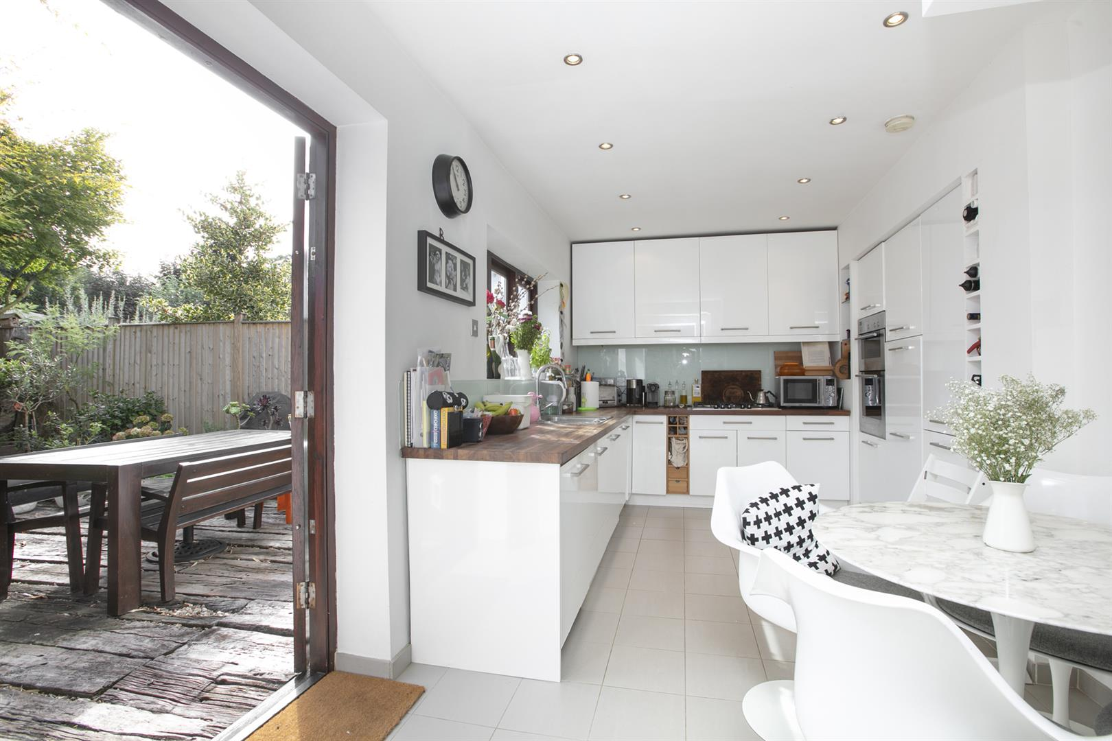 House - Semi-Detached For Sale in Maldon Close, Camberwell, SE5 694 view8