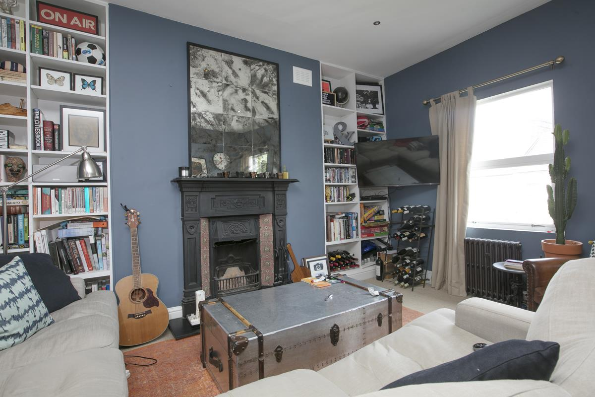 Flat/Apartment Sale Agreed in Maude Road, Camberwell, SE5 583 view5