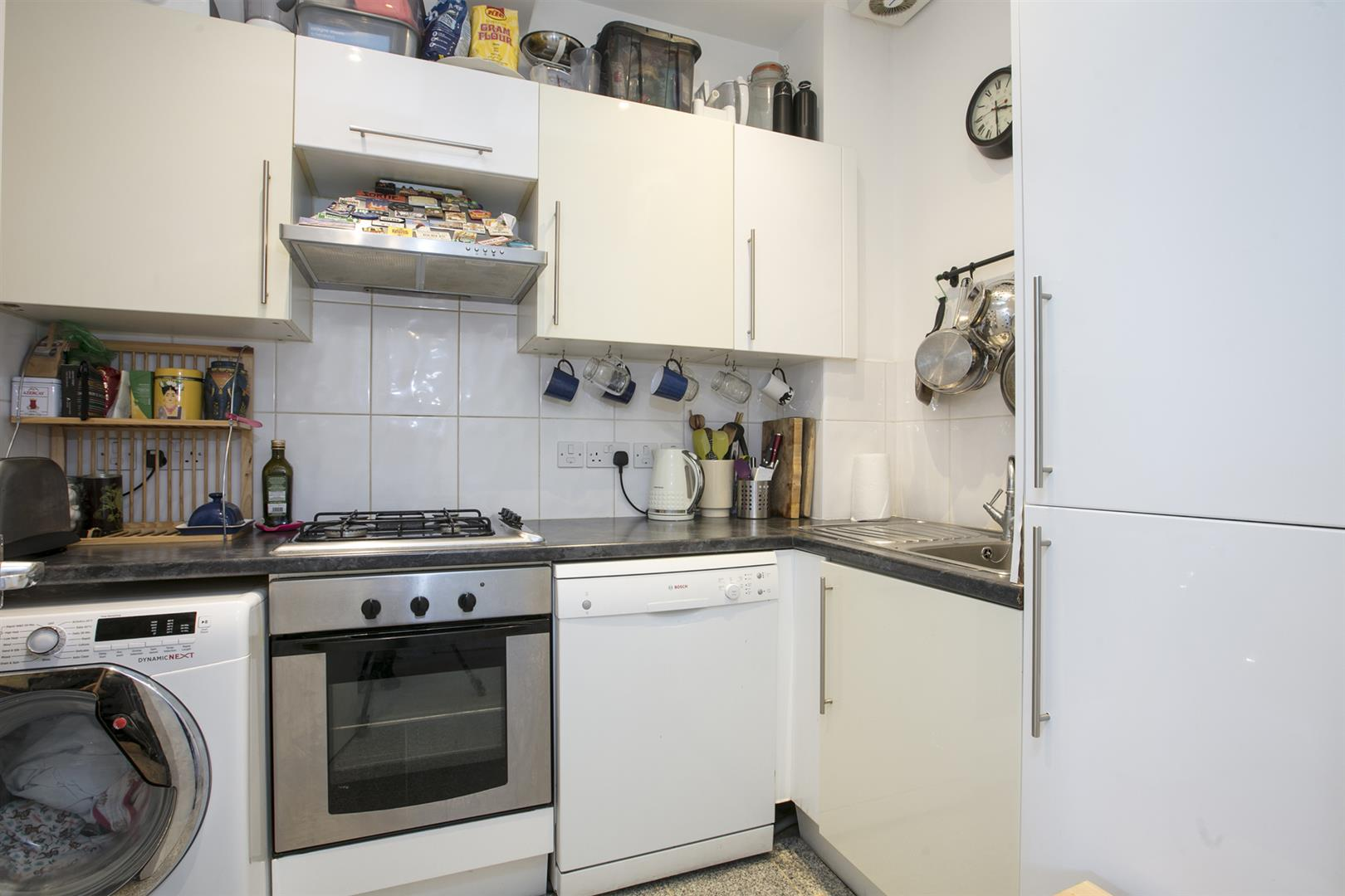 Flat - Conversion For Sale in Maude Road, Camberwell, SE5 631 view5