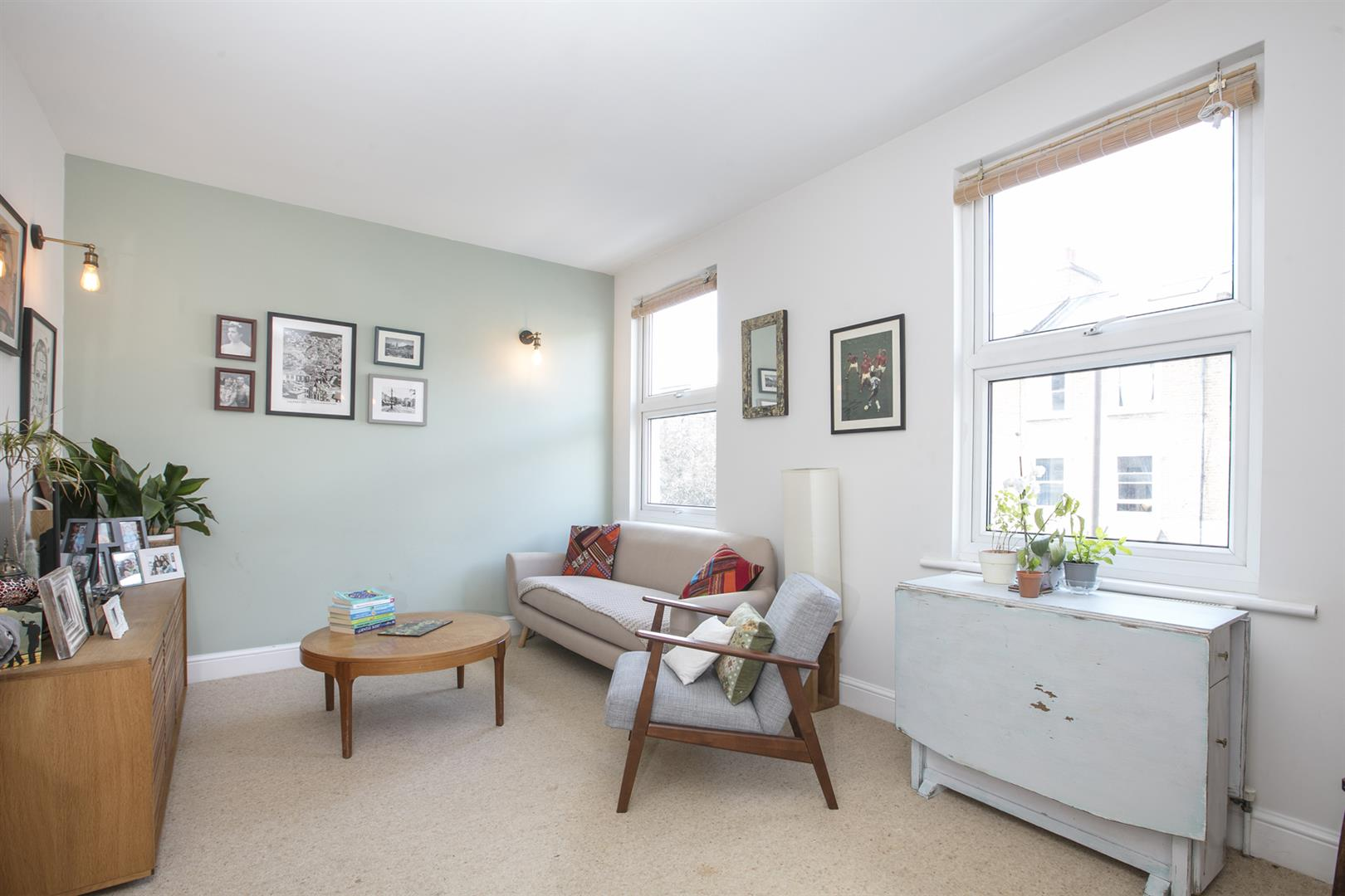 Flat - Conversion For Sale in Maude Road, Camberwell, SE5 631 view2