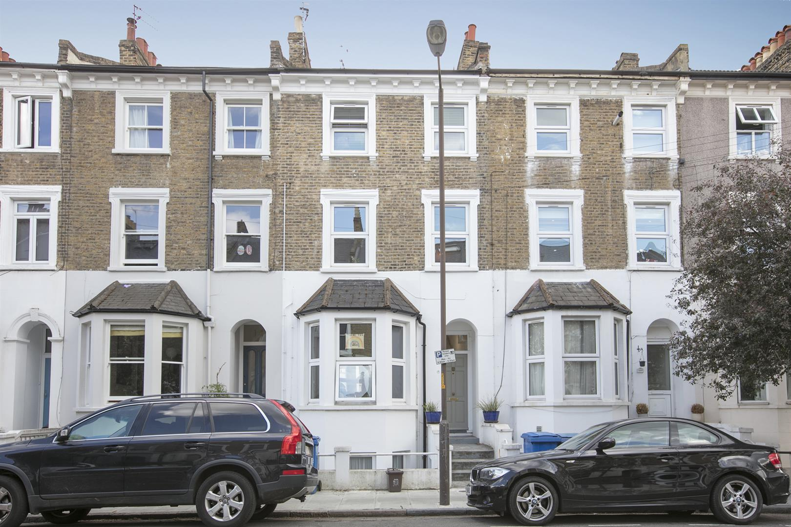 Flat - Conversion For Sale in Maude Road, Camberwell, SE5 631 view1