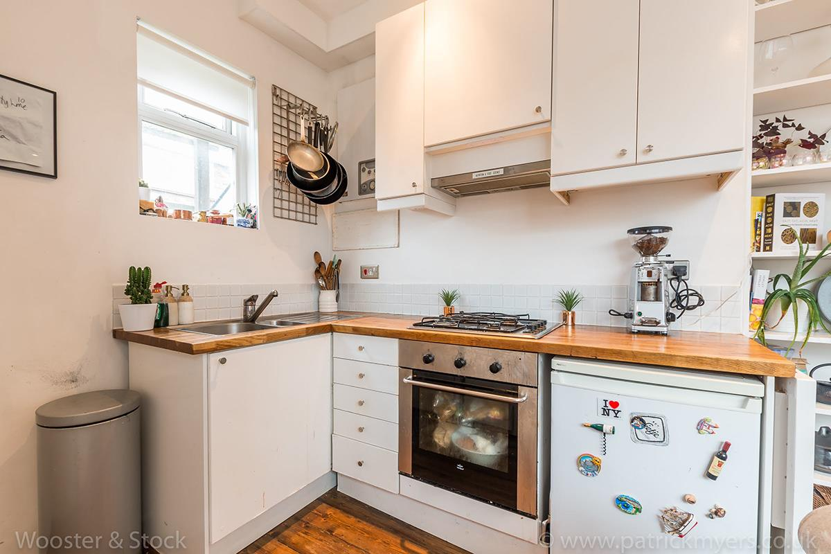 House - Semi-Detached For Sale in McDermott Road, Peckham, SE15 413 view5