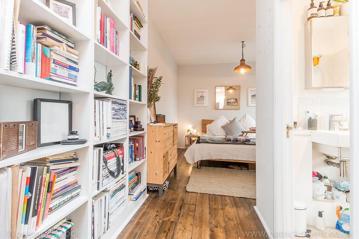 House - Semi-Detached For Sale in McDermott Road, Peckham, SE15 413 view16
