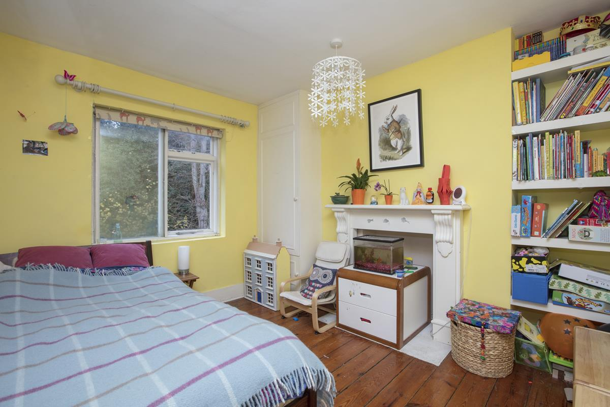 House - Terraced Sold in Mount Ash Road, Sydenham, SE26 239 view9
