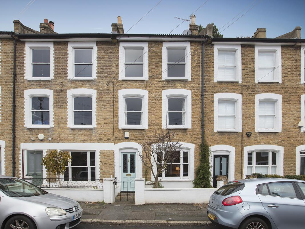 House - Terraced Sold in Mount Ash Road, Sydenham, SE26 239 view1