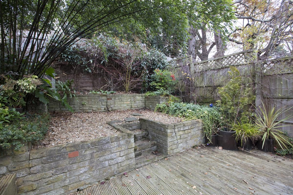 House - Terraced Sold in Mount Ash Road, Sydenham, SE26 239 view7