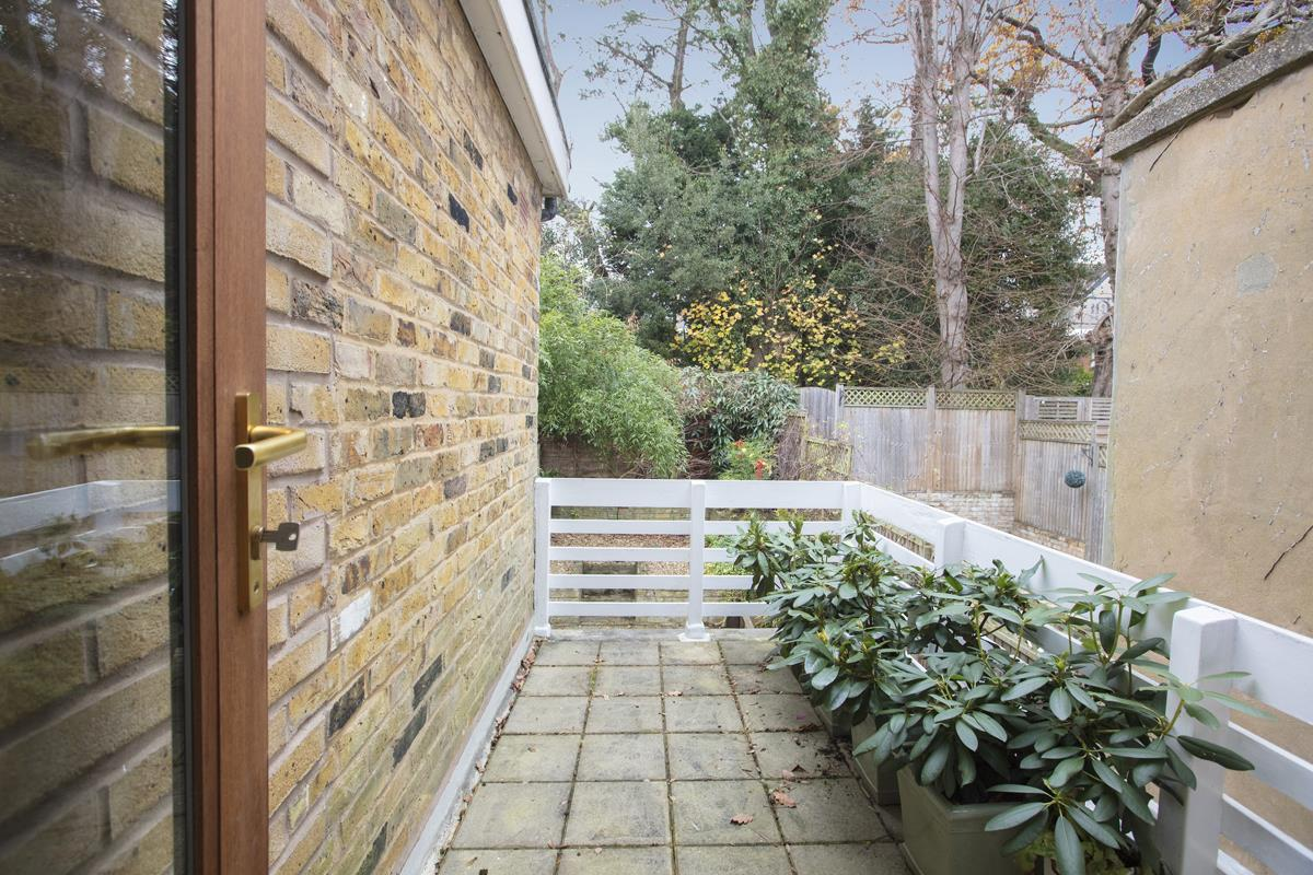 House - Terraced Sold in Mount Ash Road, Sydenham, SE26 239 view11