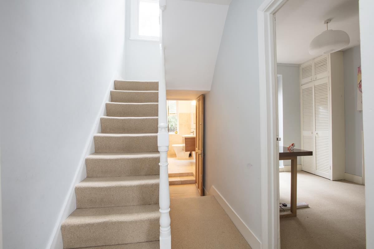 House - Terraced Sold in Mount Ash Road, Sydenham, SE26 239 view17