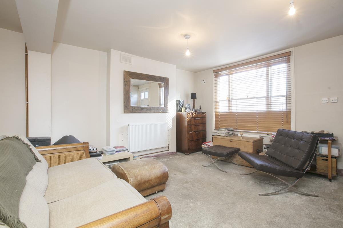House - End Terrace For Sale in Mount Ash Road, Sydenham, SE26 395 view5