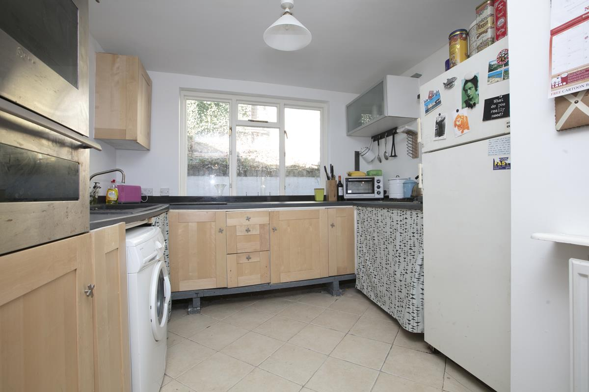 House - End Terrace For Sale in Mount Ash Road, Sydenham, SE26 395 view6