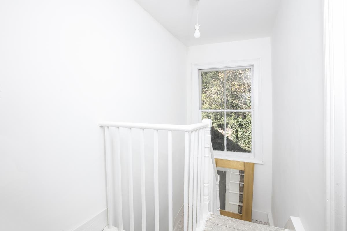 House - End Terrace For Sale in Mount Ash Road, Sydenham, SE26 395 view10