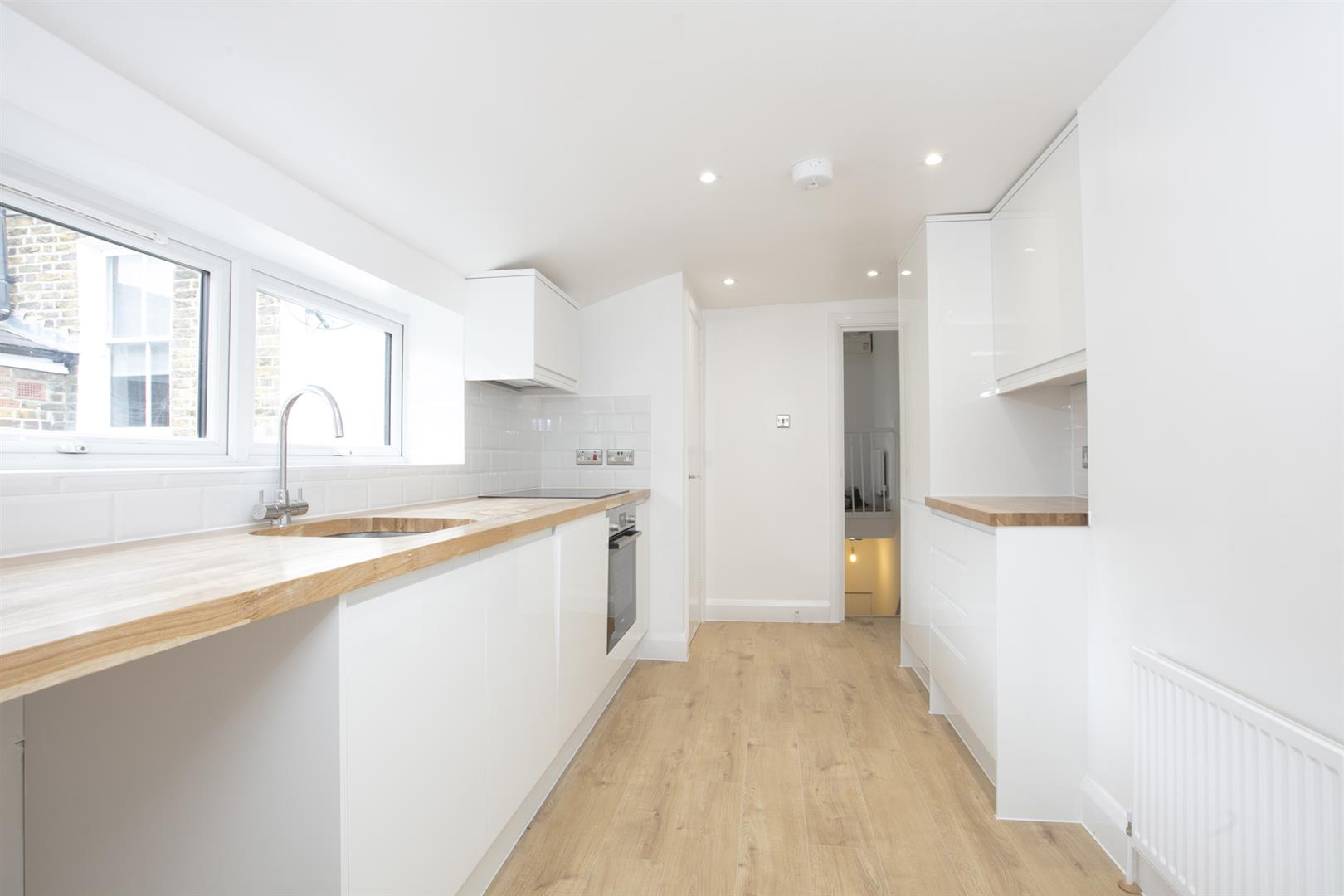 Flat/Apartment Sale Agreed in Nigel Road, Peckham, SE15 618 view2