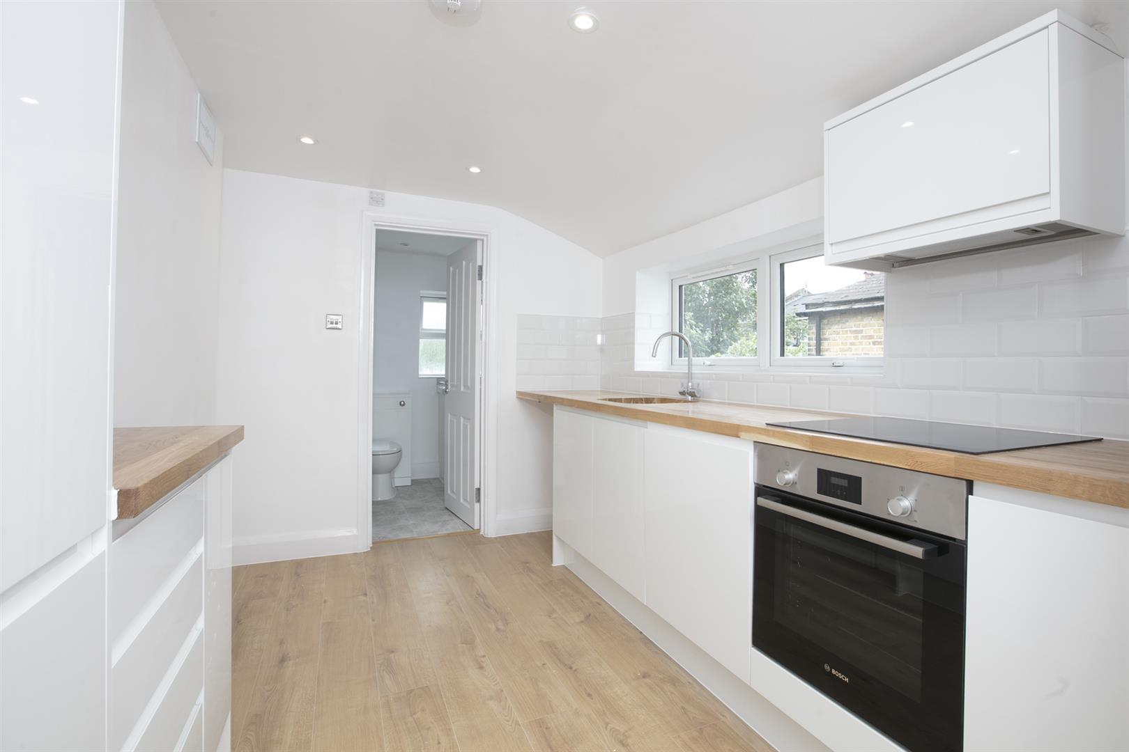 Flat/Apartment Sale Agreed in Nigel Road, Peckham, SE15 618 view4