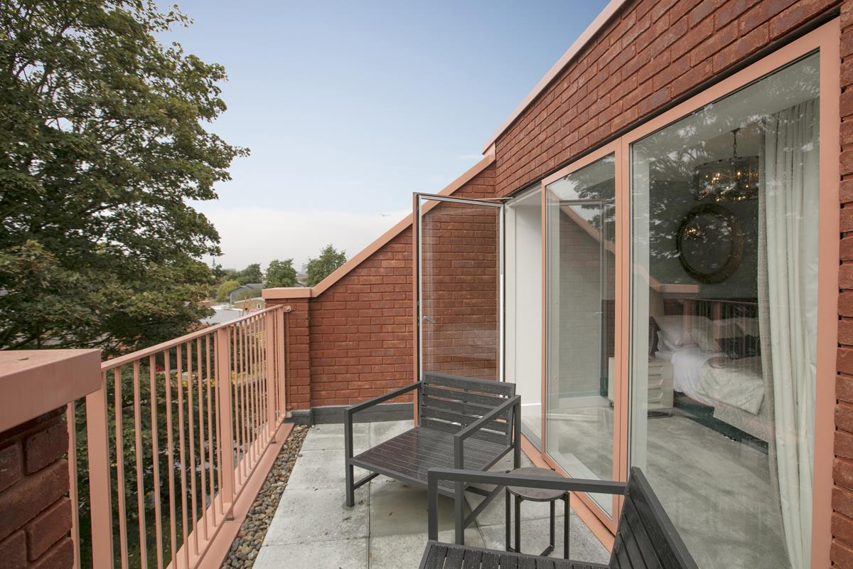 House - Terraced For Sale in Nunhead Green, Nunhead, SE15 534 view6