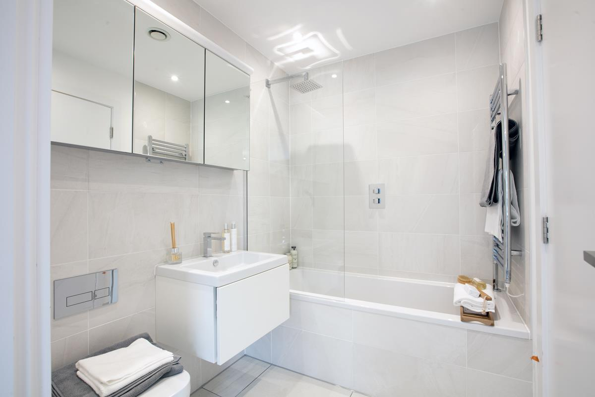 House - Terraced For Sale in Nunhead Green, Nunhead, SE15 534 view13